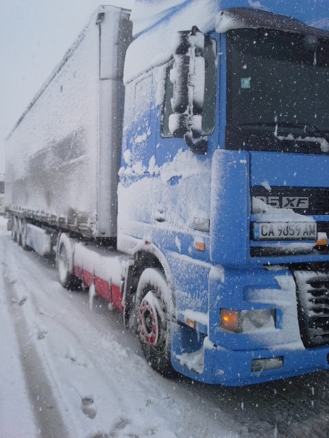 групажен транспорт за Солун